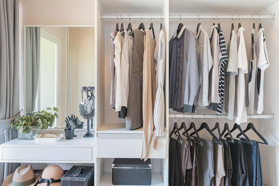 Image for Jocelyn Stuart Home Editing Closet Orgainization